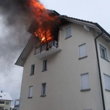 Dachwohnung in Vollbrand